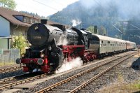 52 7596 der EFZ am 24.September 2016 im Bf Triberg (T.Horn)
