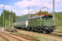 E44 1170 des DB Museum am 6.Mai 1995 im Bf Titisee (T.Horn)